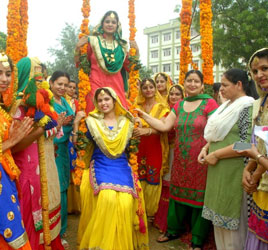 Teej Pictures,Teej Images,Teej Festival Pictures,Images of Teej